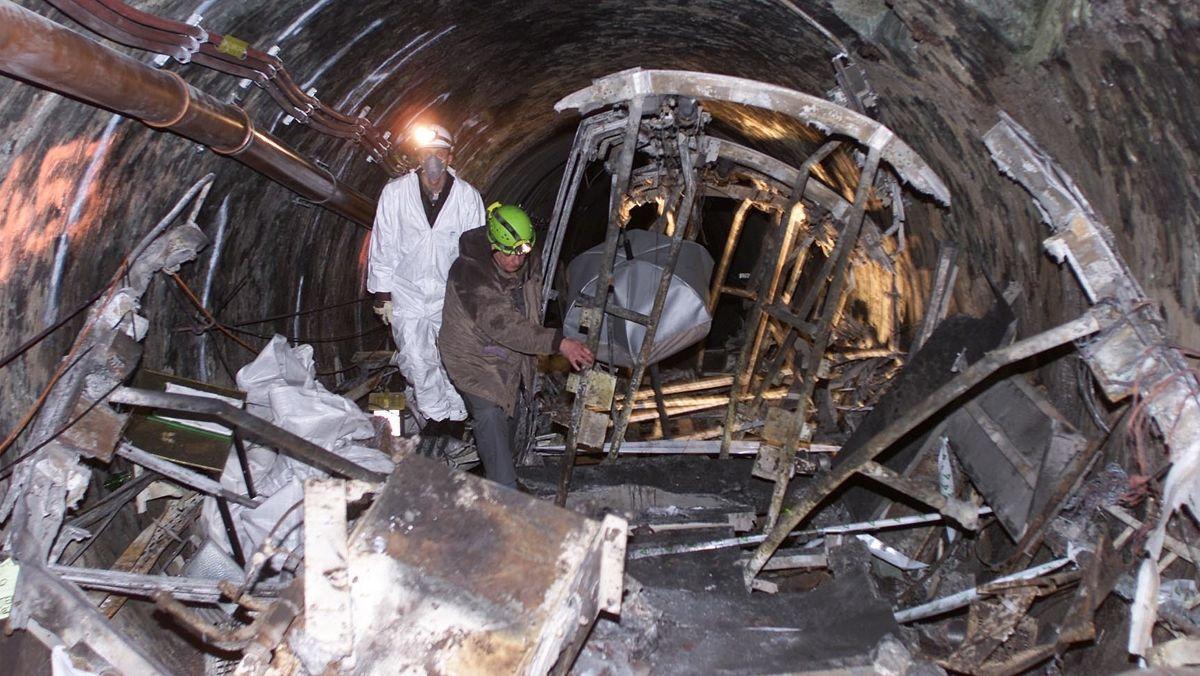 In Kaprun wird mit der Bergung des ausgebrannten Zuges im Tunnel begonnen (Archivbild).