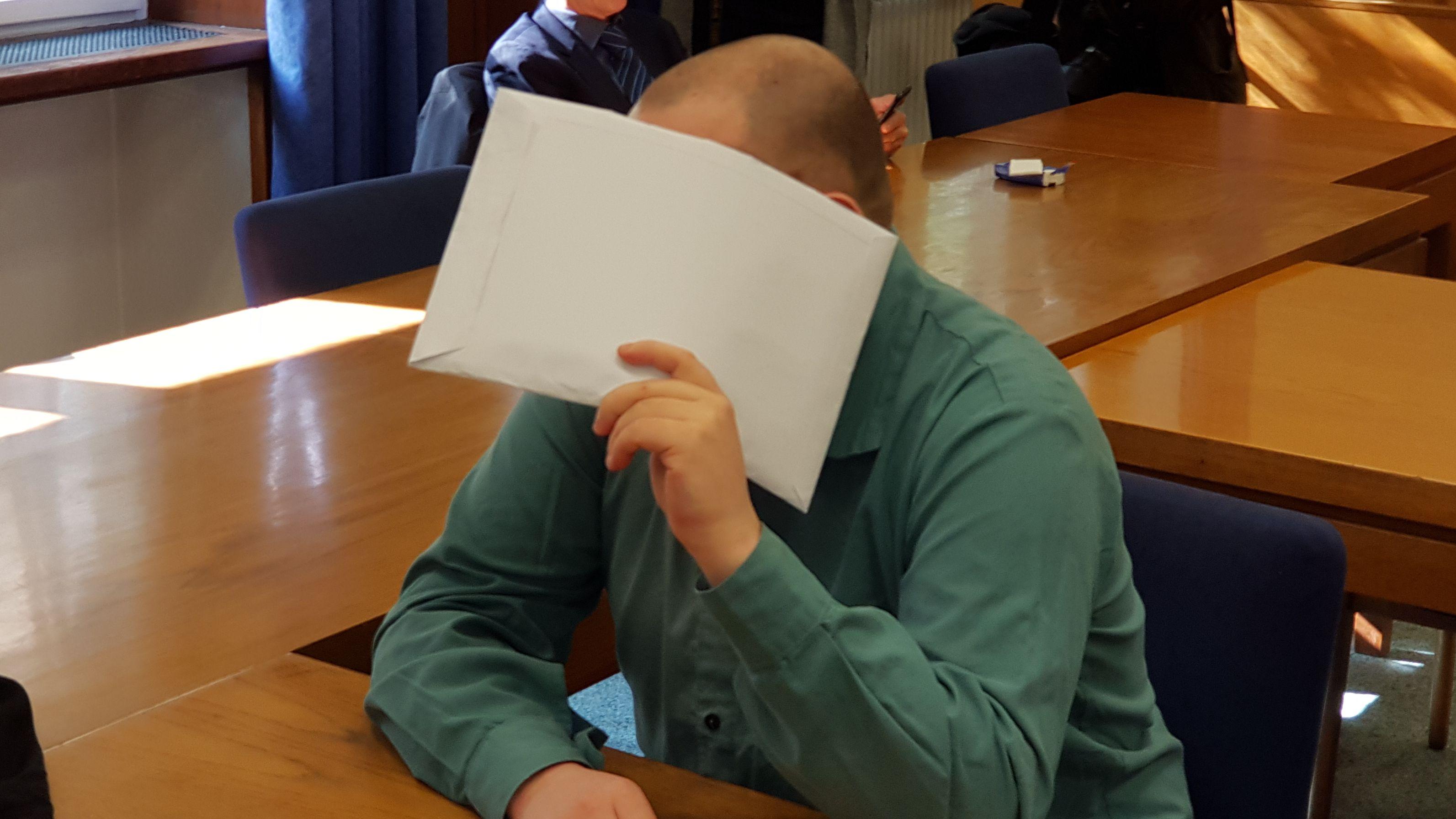 Landgericht Nürnberg-Fürth: Prozessbeginn gegen den inhaftierten Prostituiertenmörder, der eine Psychologin in seine Gewalt bringen wollte.