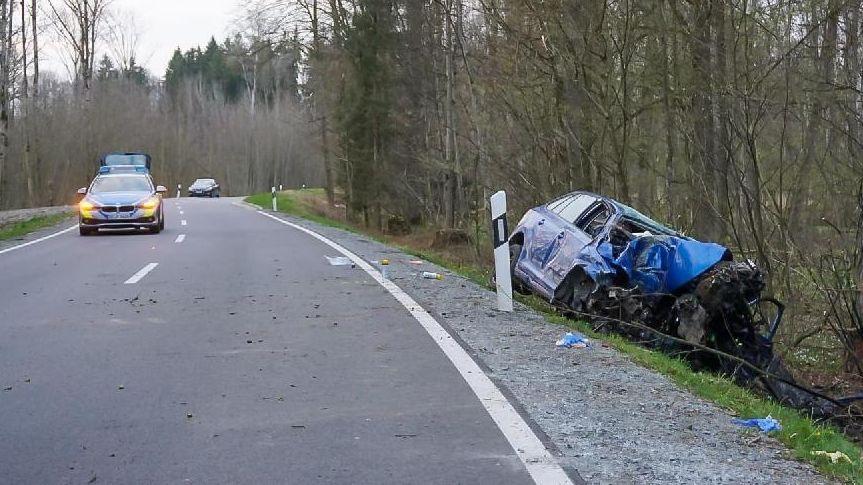 Die Unfallstelle nahe Irlbach im Kreis Straubing-Bogen.