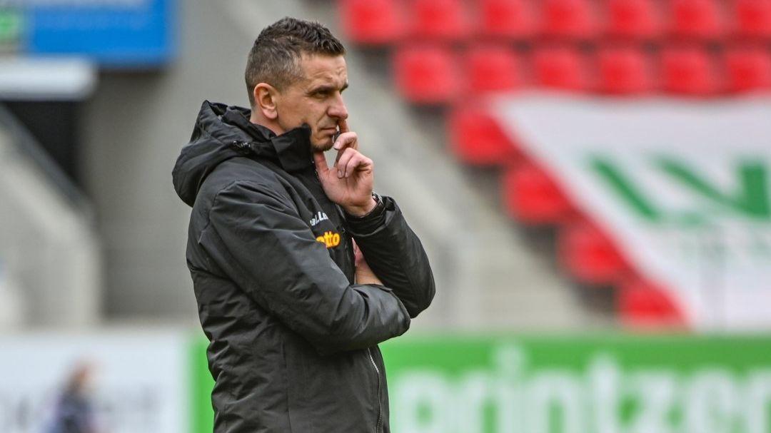 Jahn-Coach Mersad Selimbegovic will in Hannover unbedingt punkten