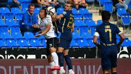 Luftduell beim Spiel SC Verl gegen den TSV 1860 München   Bild:picture alliance / Eibner-Pressefoto   Frank Wenzel/Eibner-Pressefoto