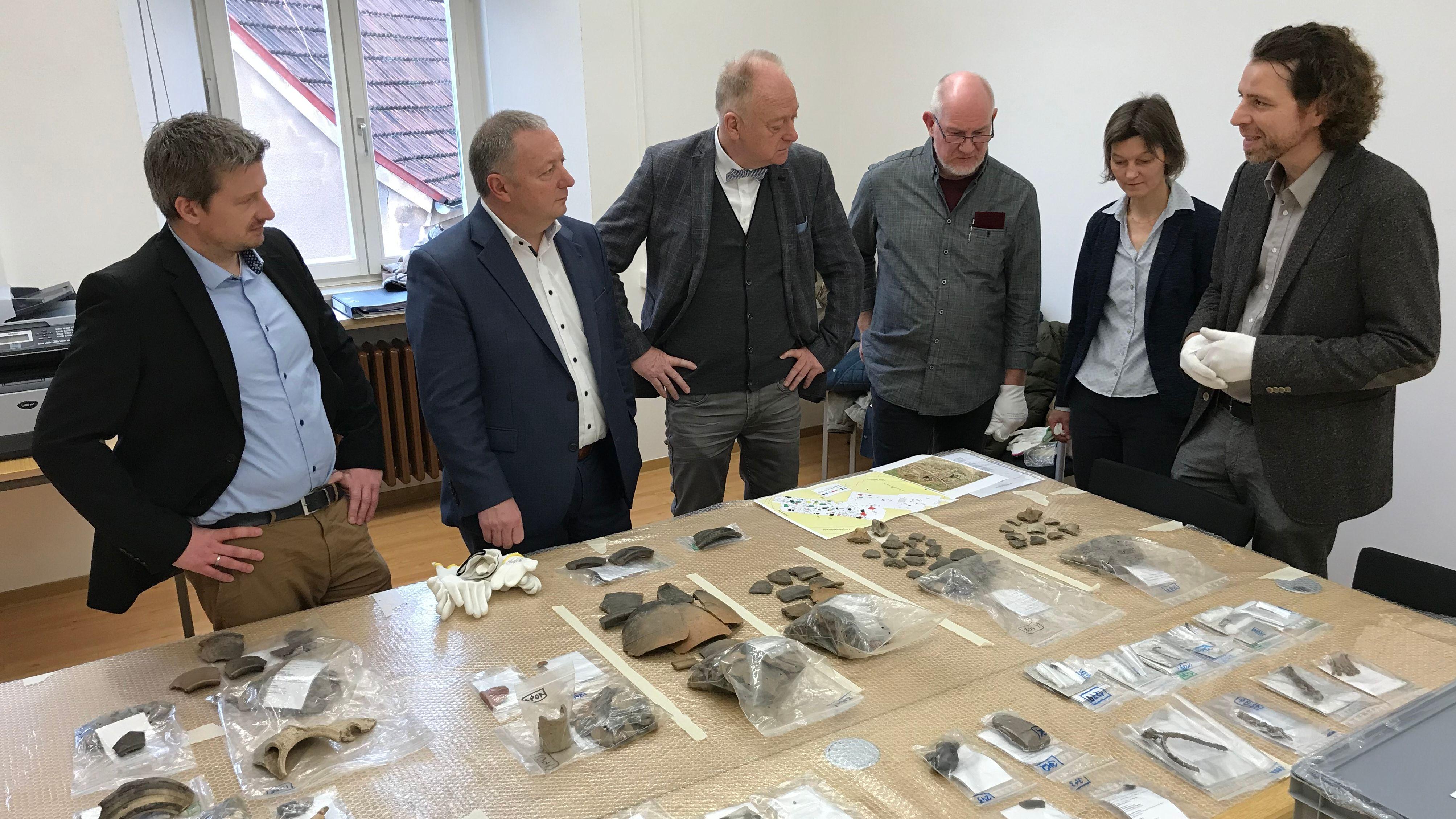 Die Stadt Münnerstadt erhält 10.000 archäologische Funde.