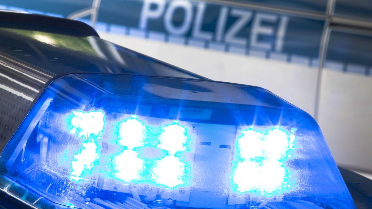 Symbolbild: Polizeiauto Blaulicht