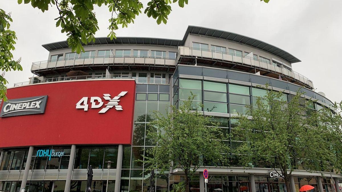 Blick auf das Bayreuther Kino Cineplex.