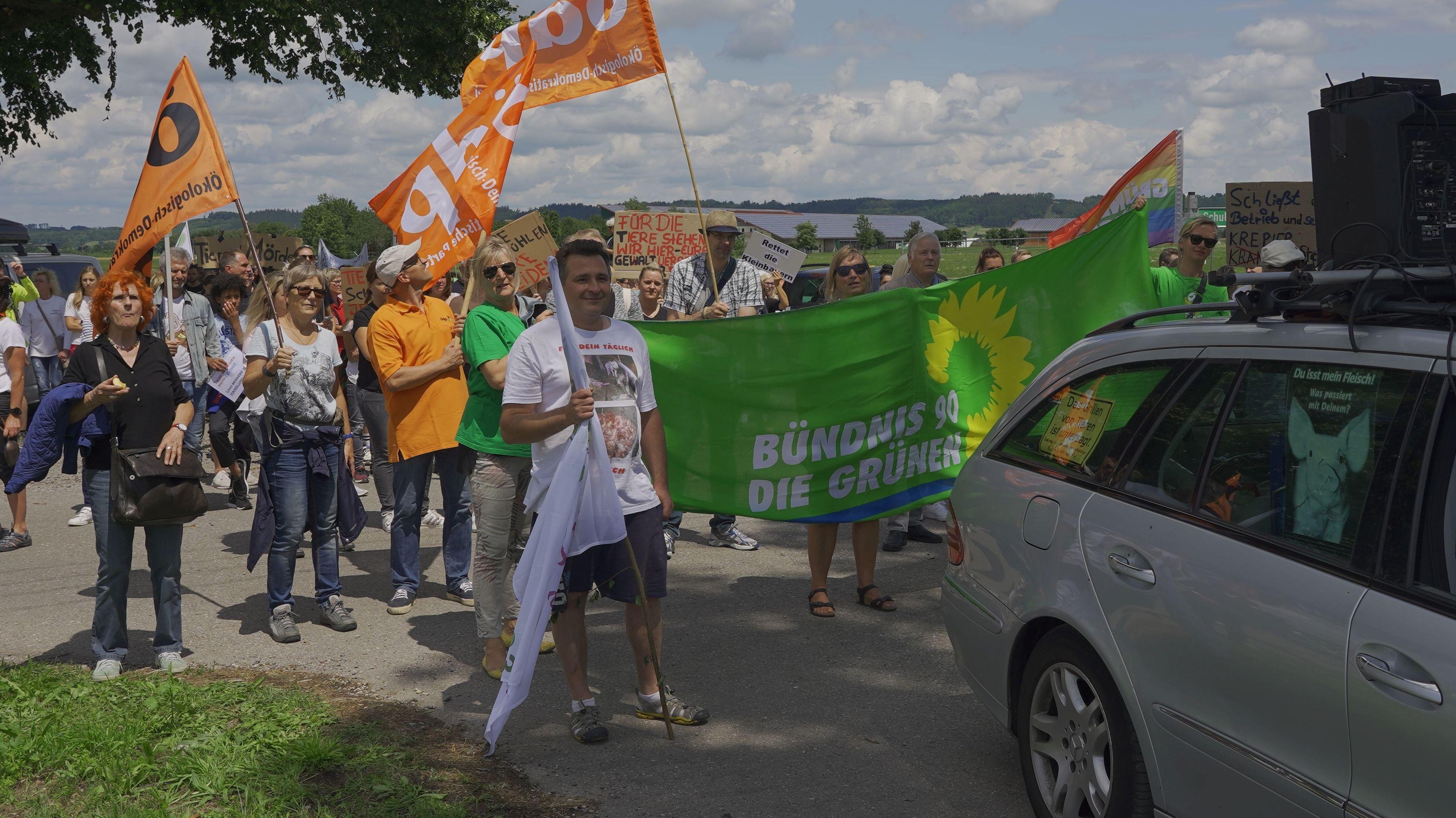 Demonstration vor dem Milchhof Endres in Bad Grönenbach