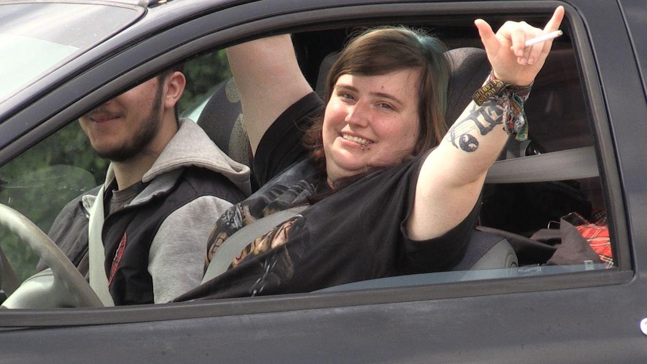 Metal-Fans auf dem Weg zum Summer Breeze