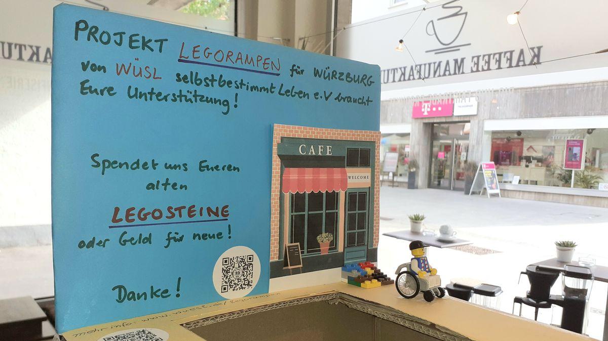 Behälter für Legostein-Spenden in der Würzburger Innenstadt