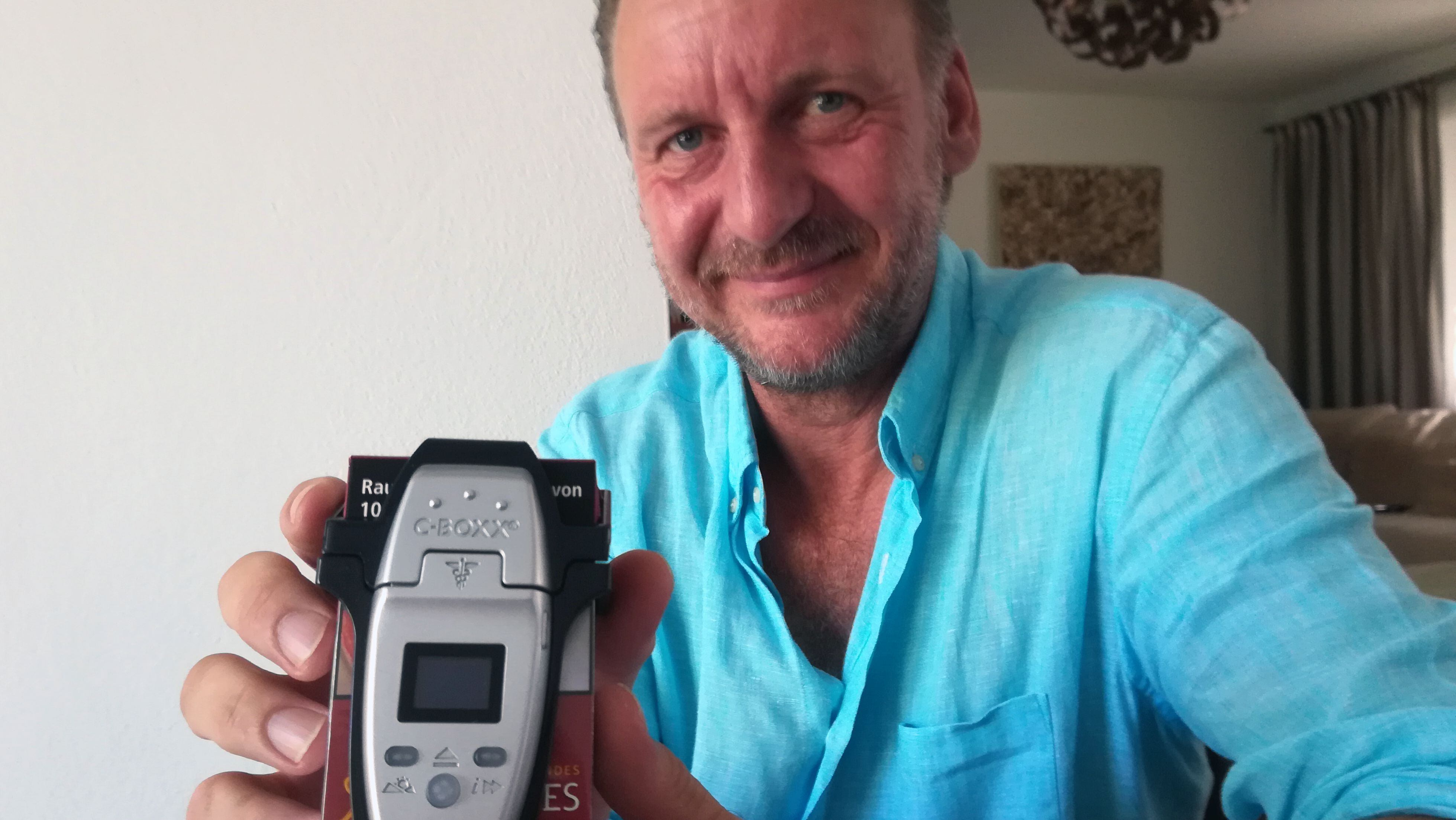 Andreas Unsicker hat die C-Boxx, eine Art Zeitschaltuhr für die Zigarettenschachtel erfunden. das Gerät ist seit wenigen Tagen auf dem Markt,