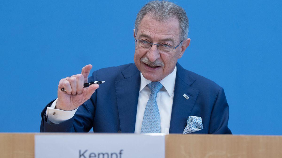 BDI-Präsident Dieter Kempf bei einer Pressekonferenz