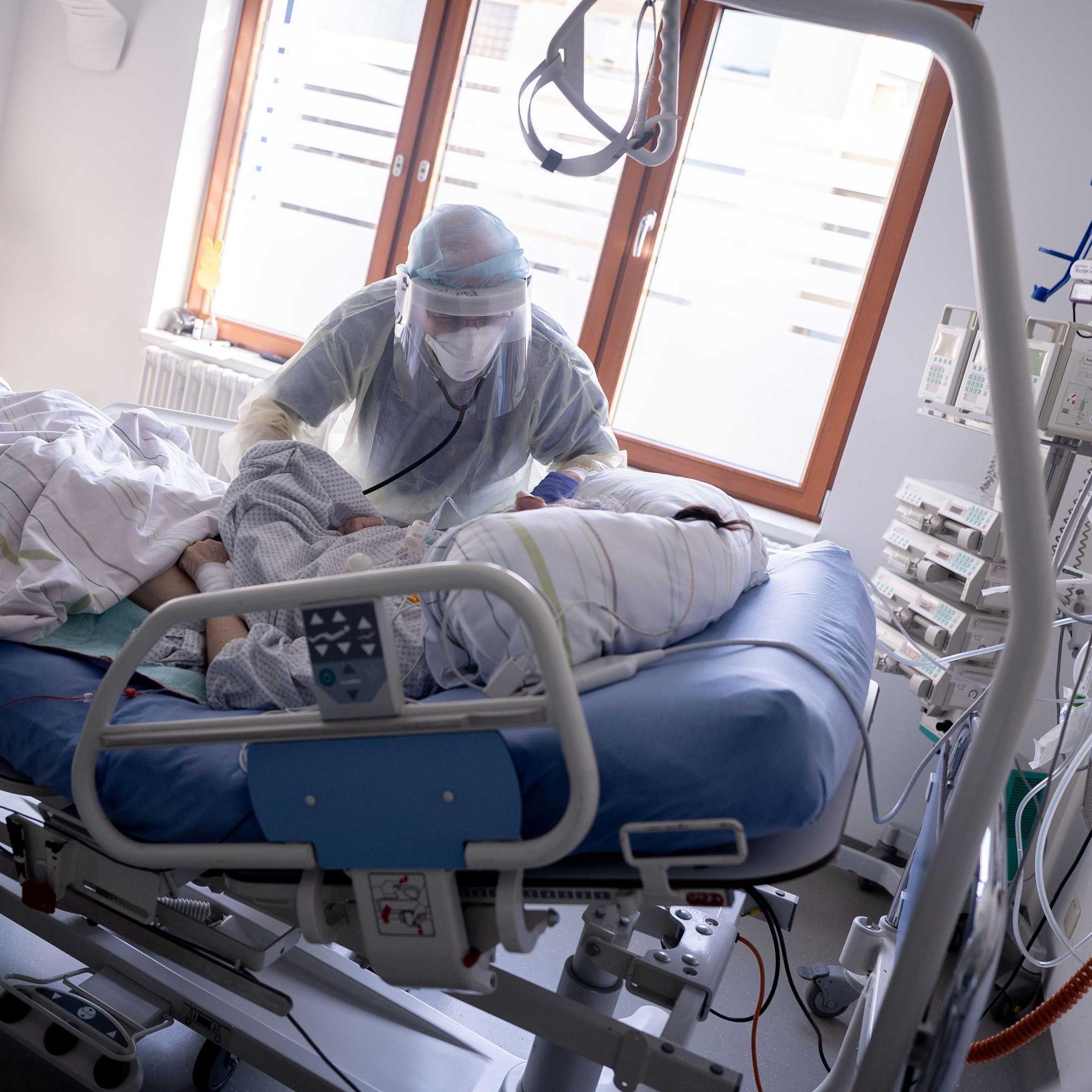 Inzidenz, R-Wert, Intensivpatienten - Welche Zahlen sind jetzt wichtig?