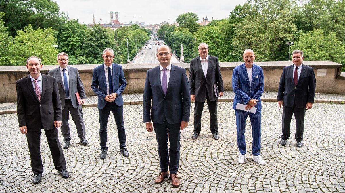 Vertreter der kommunalen Spitzenverbände verhandelten mit dem Finanzminister eine Rekordsumme für das kommende Jahr