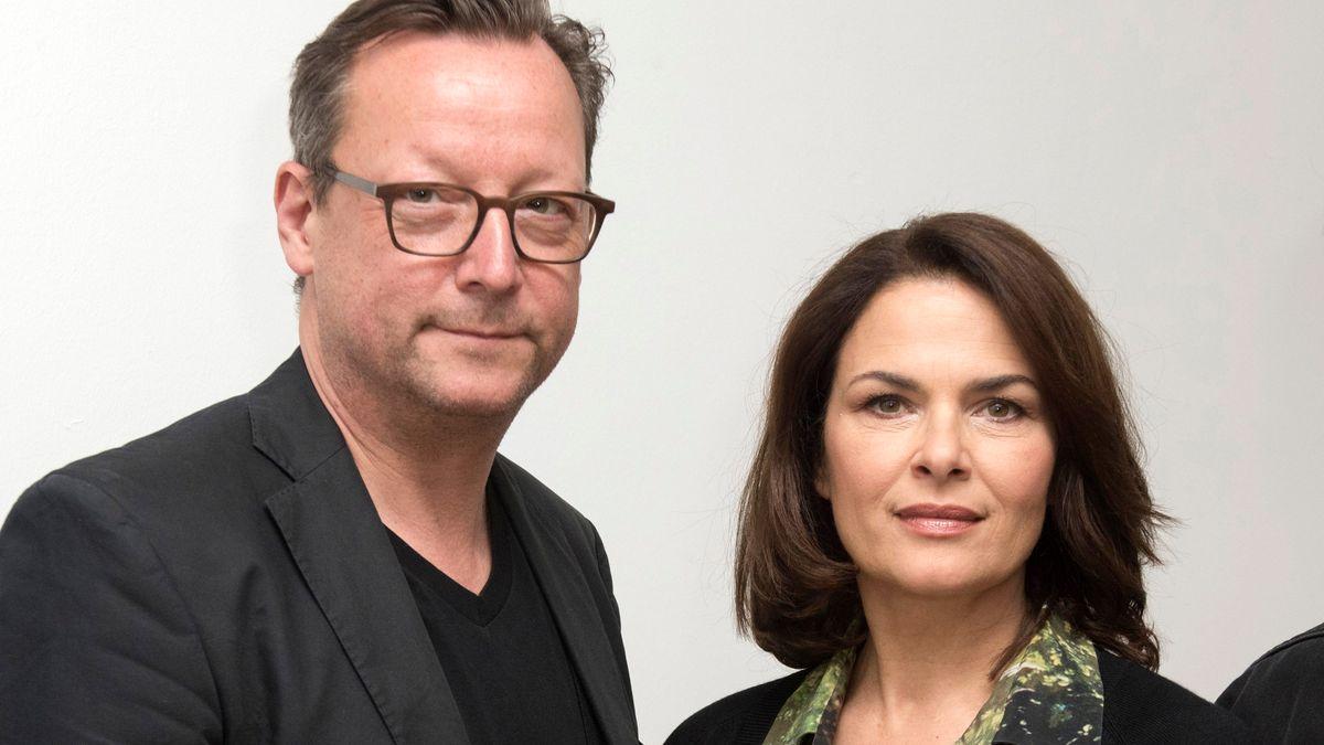 Matthias Brandt und Barbara Auer beim Fototermin am Set des BR Krimis 'Polizeiruf 110: Kreise'
