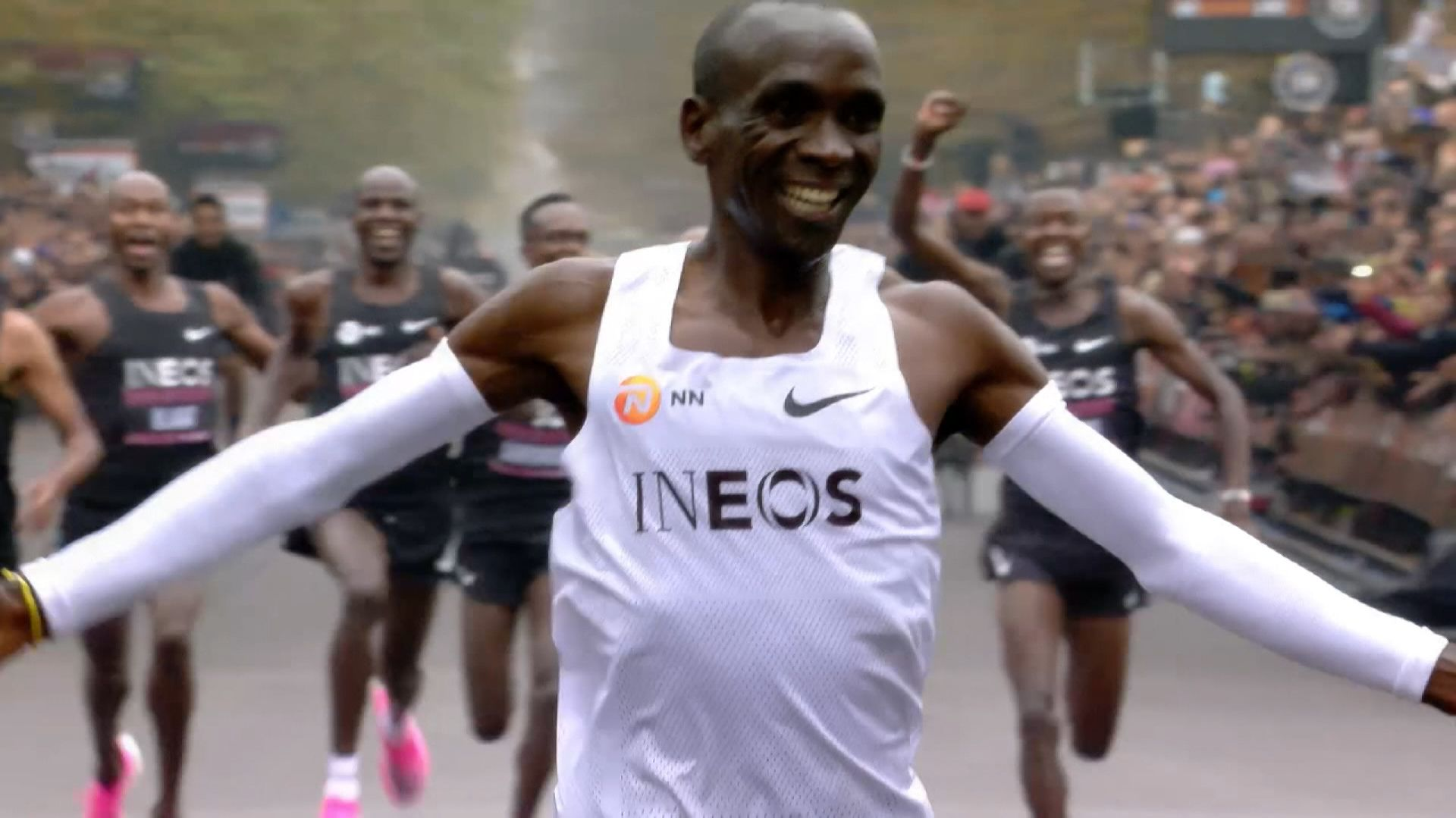 Der Kenianer Eliud Kipchoge beim Zieleinlauf