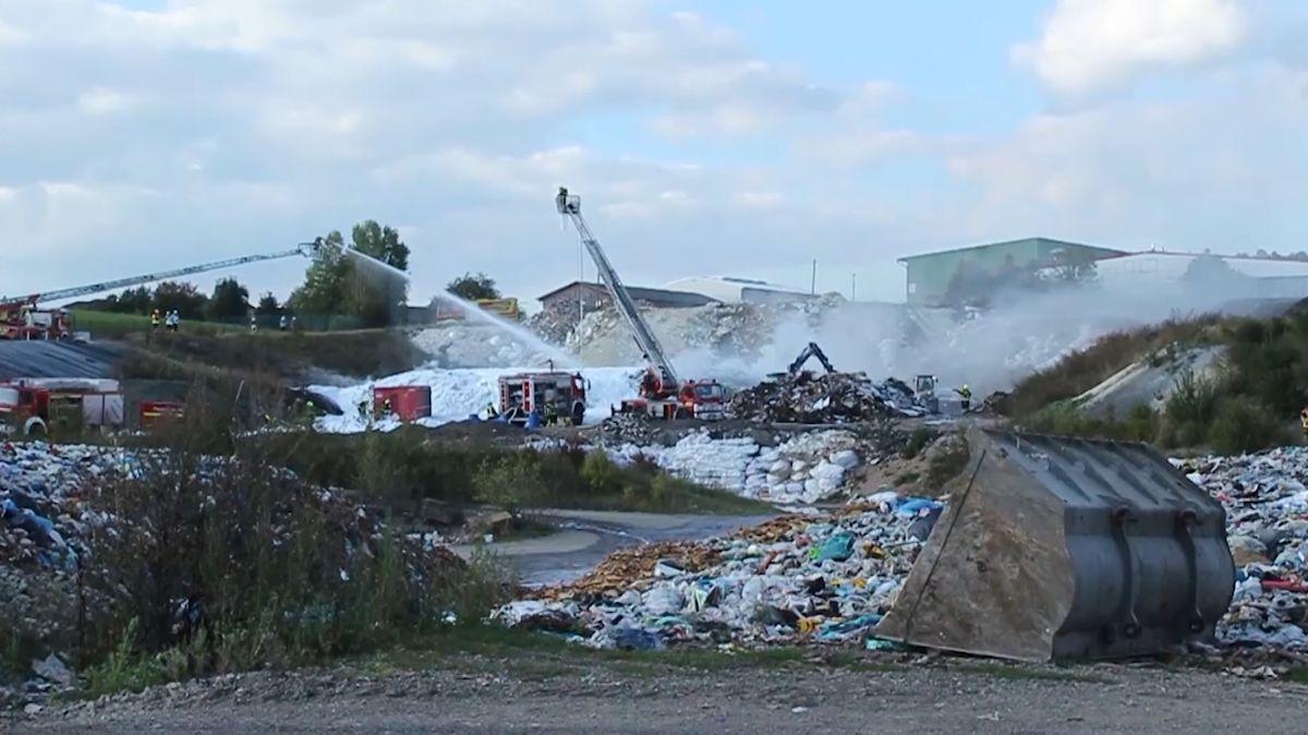 Brand in Mülldeponie in Rödental