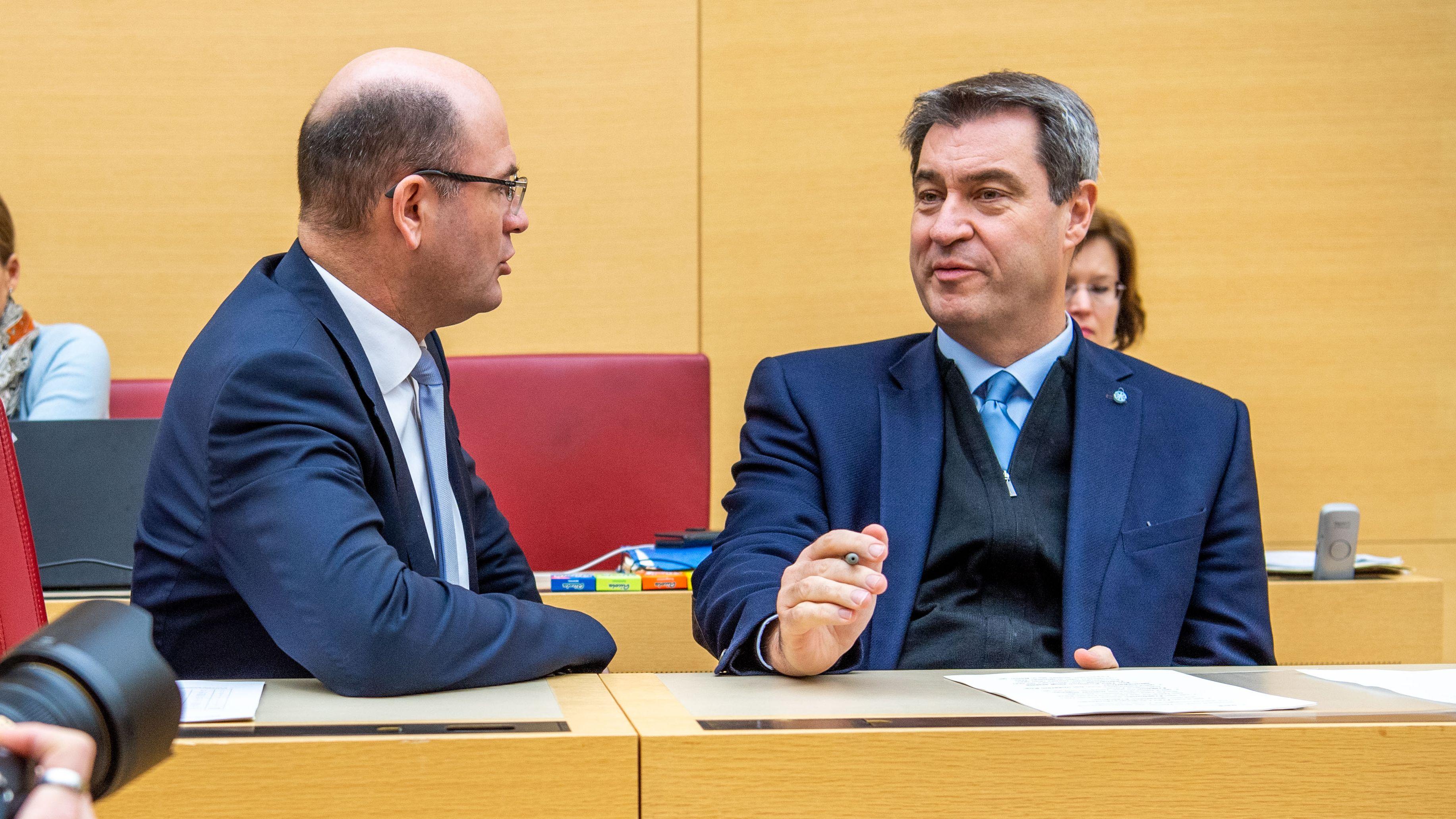 Bayerns Finanzminister Albert Füracker und Ministerpräsident Markus Söder (beide CSU) am 11. Dezember 2019 im Landtag