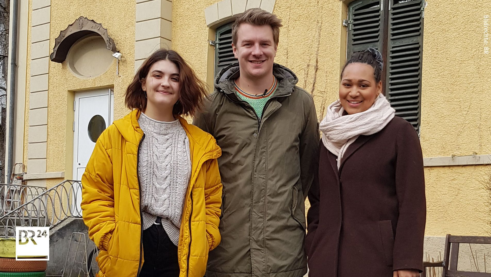 Sarah Bauer, Sprecherin von Fridays for Future Augsburg, DemokraWie-Moderatoren Daniel Peter und Tyra Webster