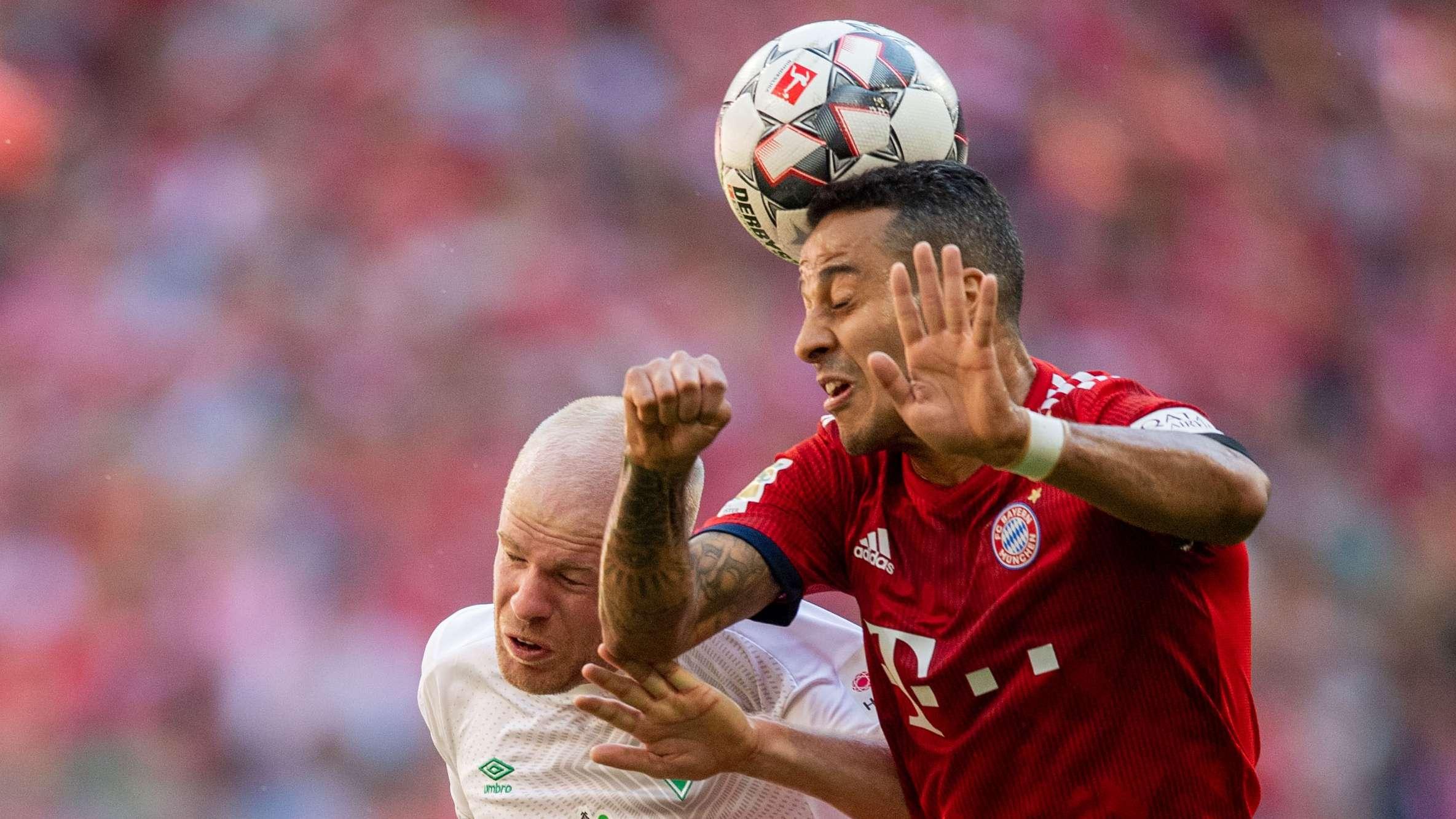 Spielszene FC Bayern - Werder Bremen