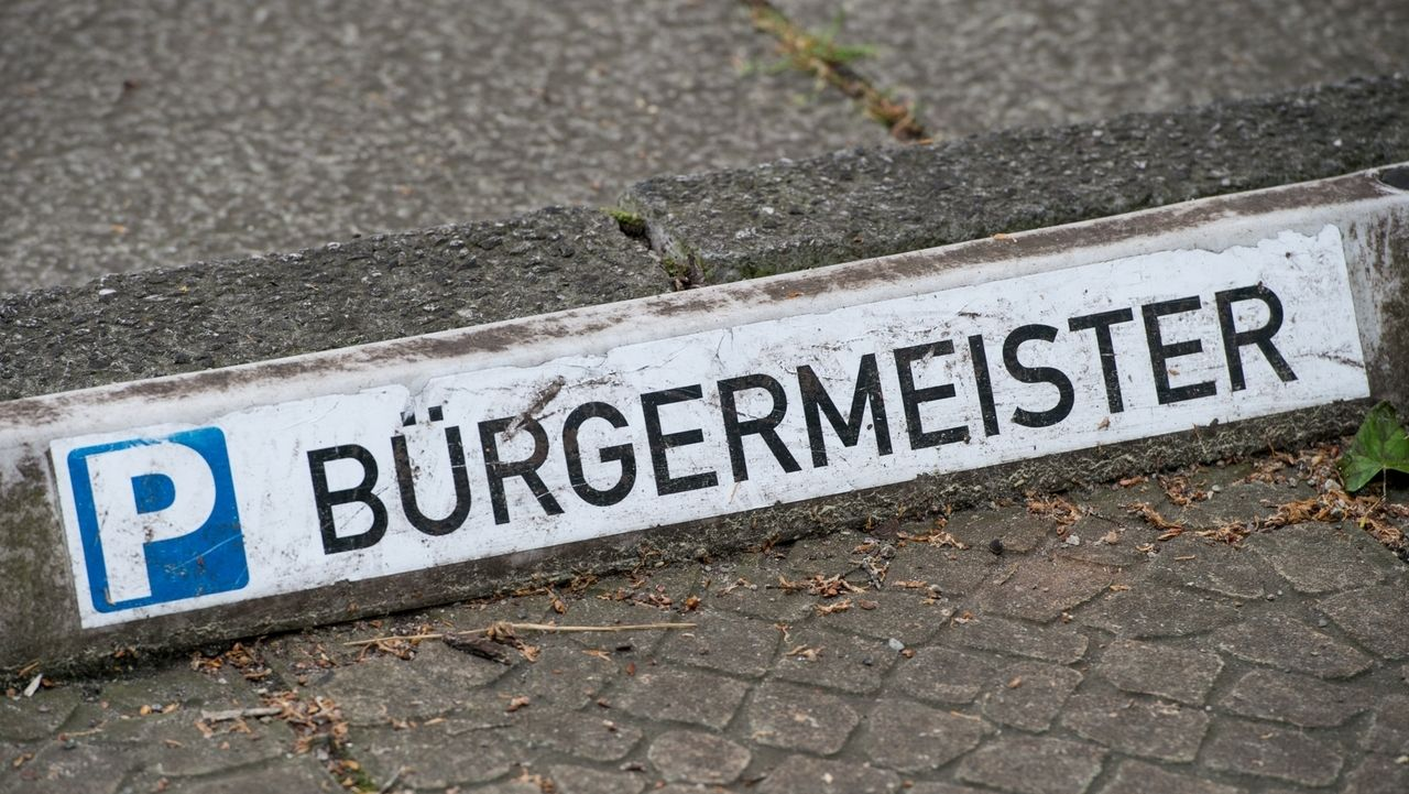 Schild Parkplatz Bürgermeister