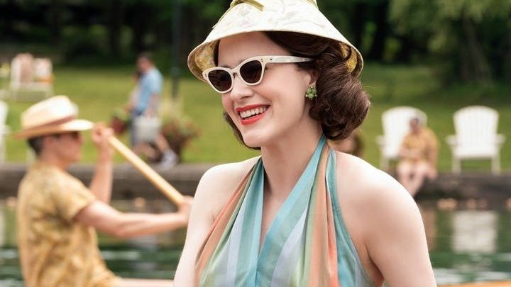 """Rachel Brosnahan in """"The Marvelous Mrs. Maisel"""" - Eine Werbeaktion zur Amazon-Serie löste ein Verkehrschaos aus."""