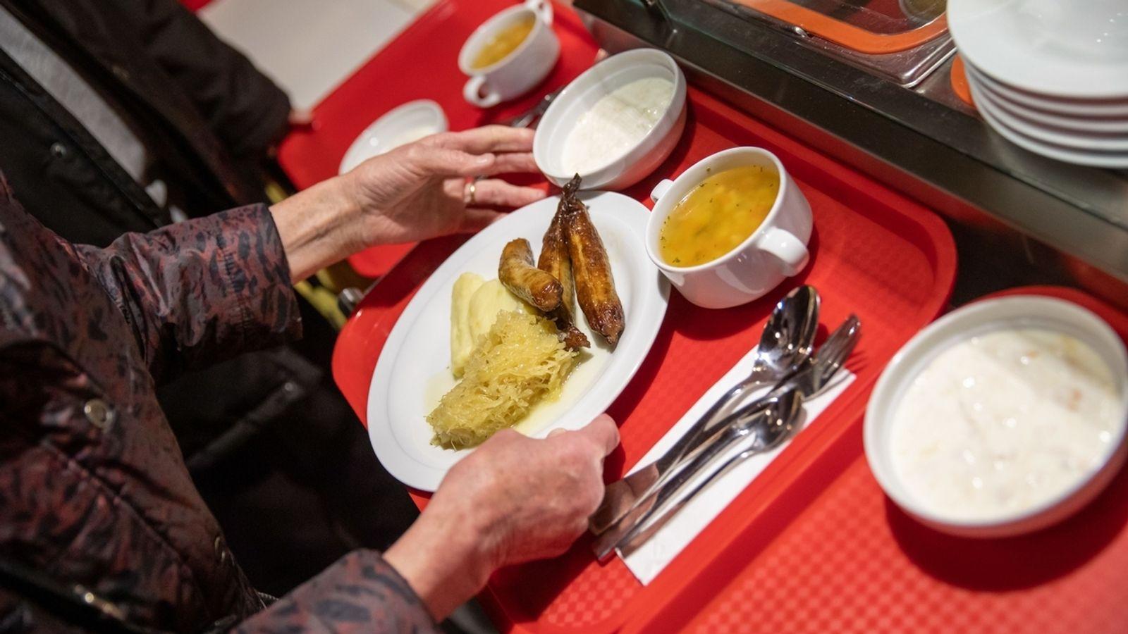 Mittagessen für alle: Vesperkirche in Schweinfurt beginnt