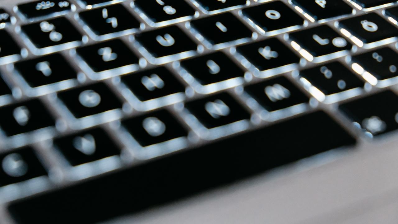 Die Tastatur eines Laptops.