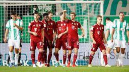 Jubel nach dem Tor zum 1:0 um den Torschuetzen Thomas Mueller (FC Bayern Muenchen) m.   Bild:picture alliance / HMB Media/ Heiko Becker   Heiko Becker