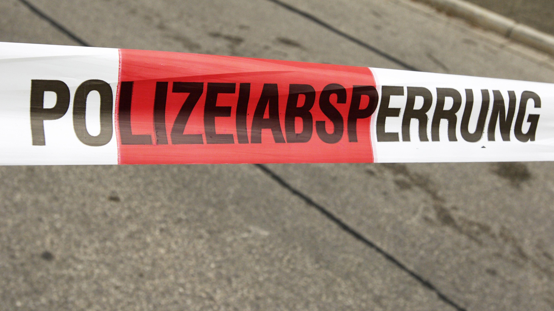 Die Tat ereignete sich in einem Mehrfamilienhaus im Regensburger Norden.