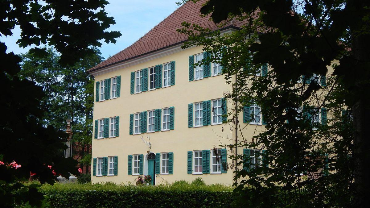 Das Schloss Unterwittelsbach zeigt eine neue Sonderausstellung.
