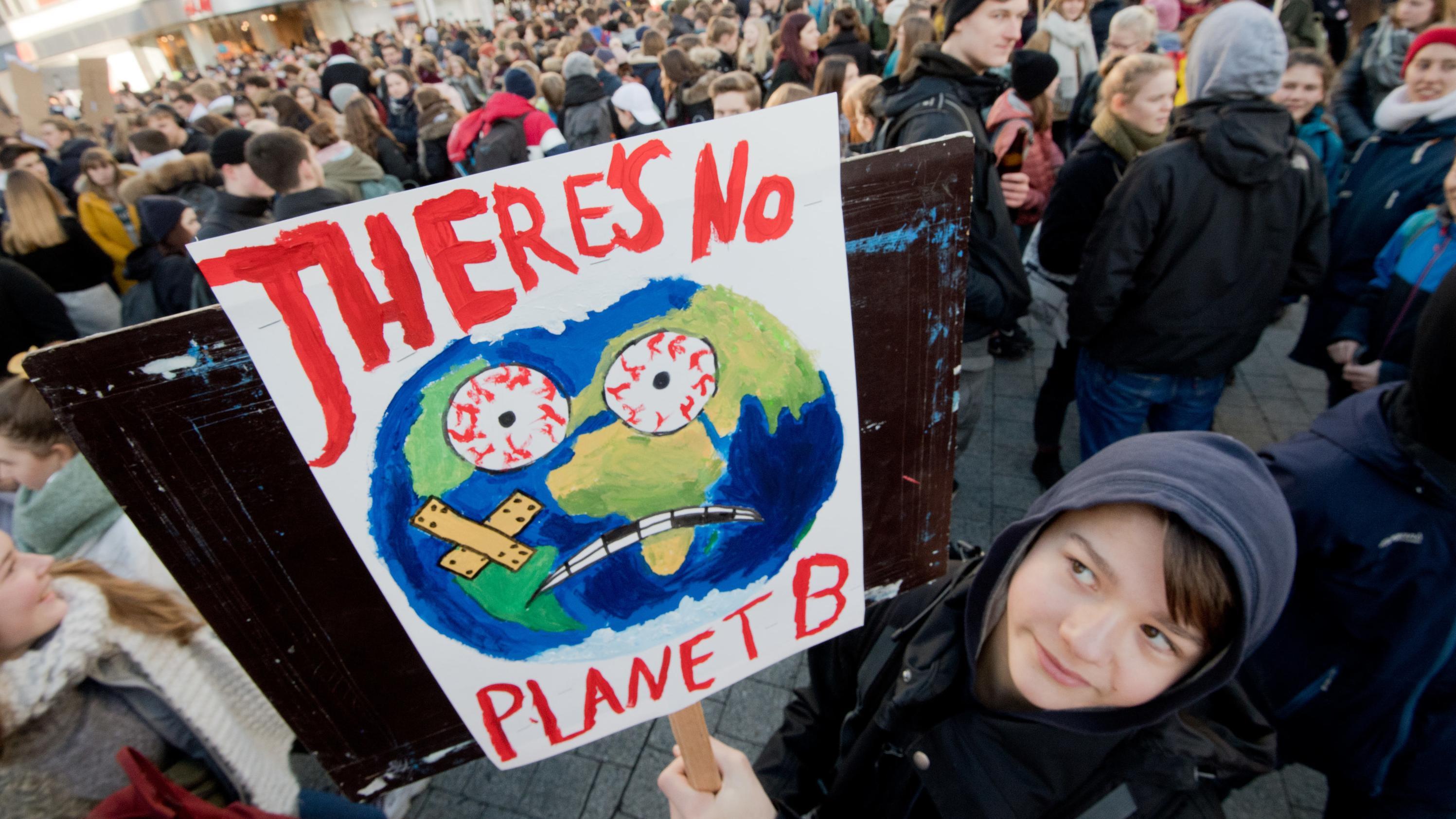 Schüler demonstrieren für eine bessere Klimapolitik
