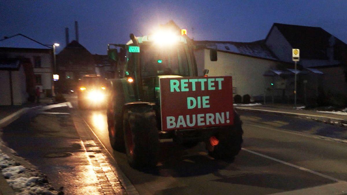 Traktor-Demo gegen die Preispolitik der Lebensmittelkonzerne