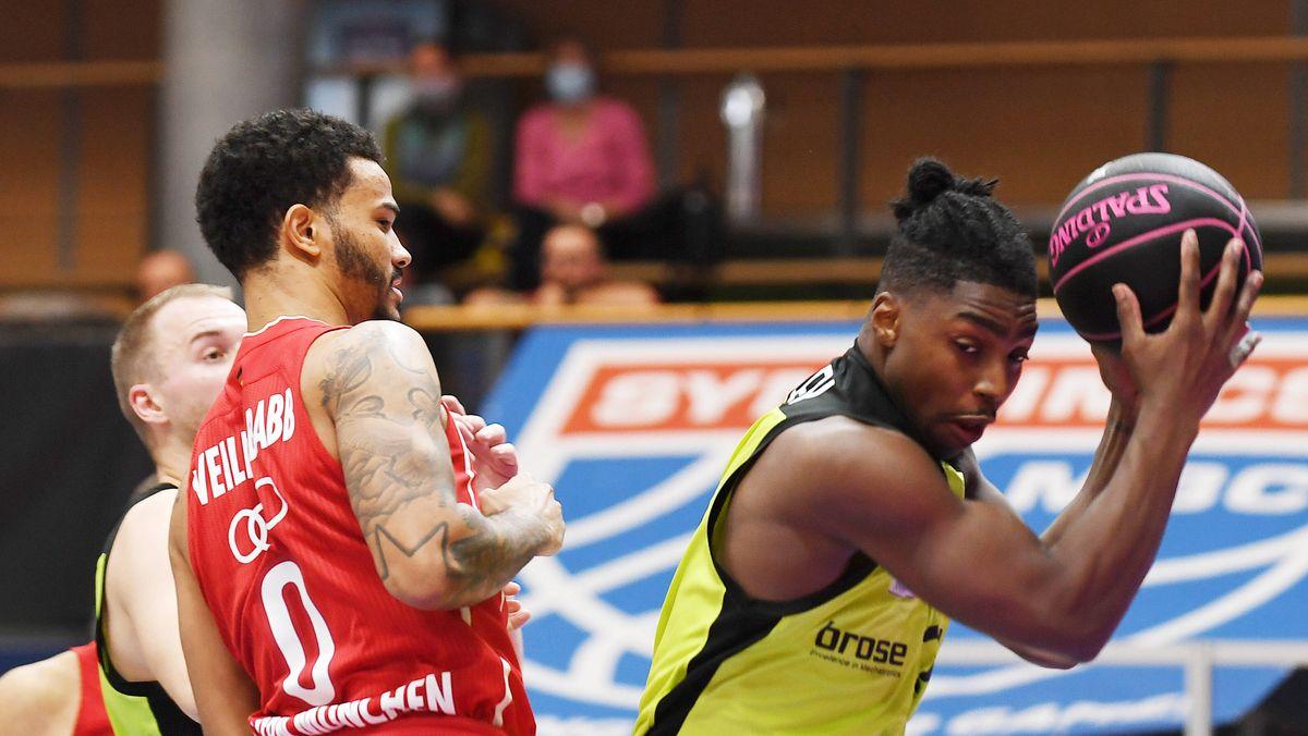 Spielszene FC Bayern Basketball -medi Bayreuth