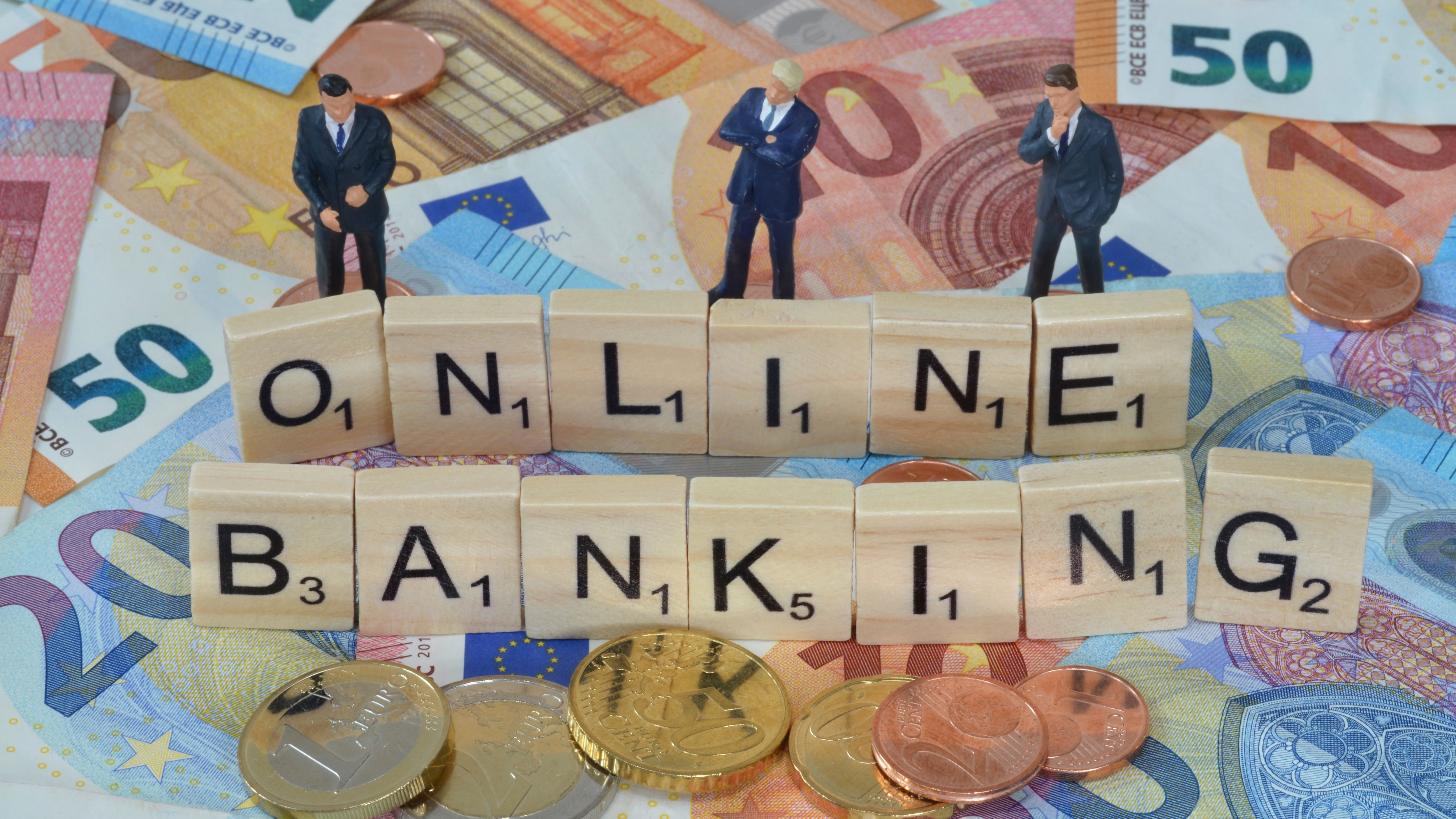 Symbolfoto Wirtschaftsbegriff Onlinebanking