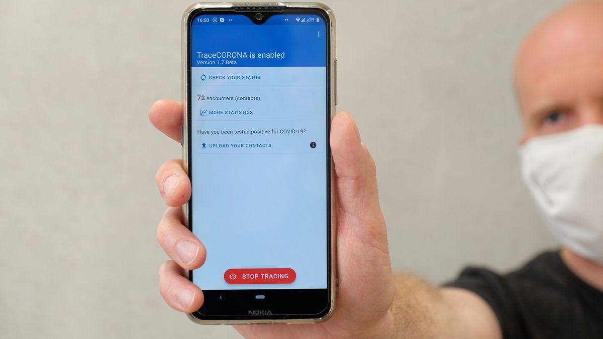 Die App TraceCORONA auf einem Smartphone