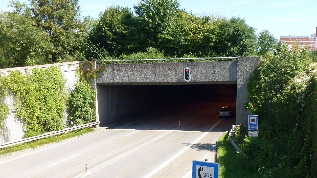 Der Eingang einer der B11-Tunnel in Deggendorf
