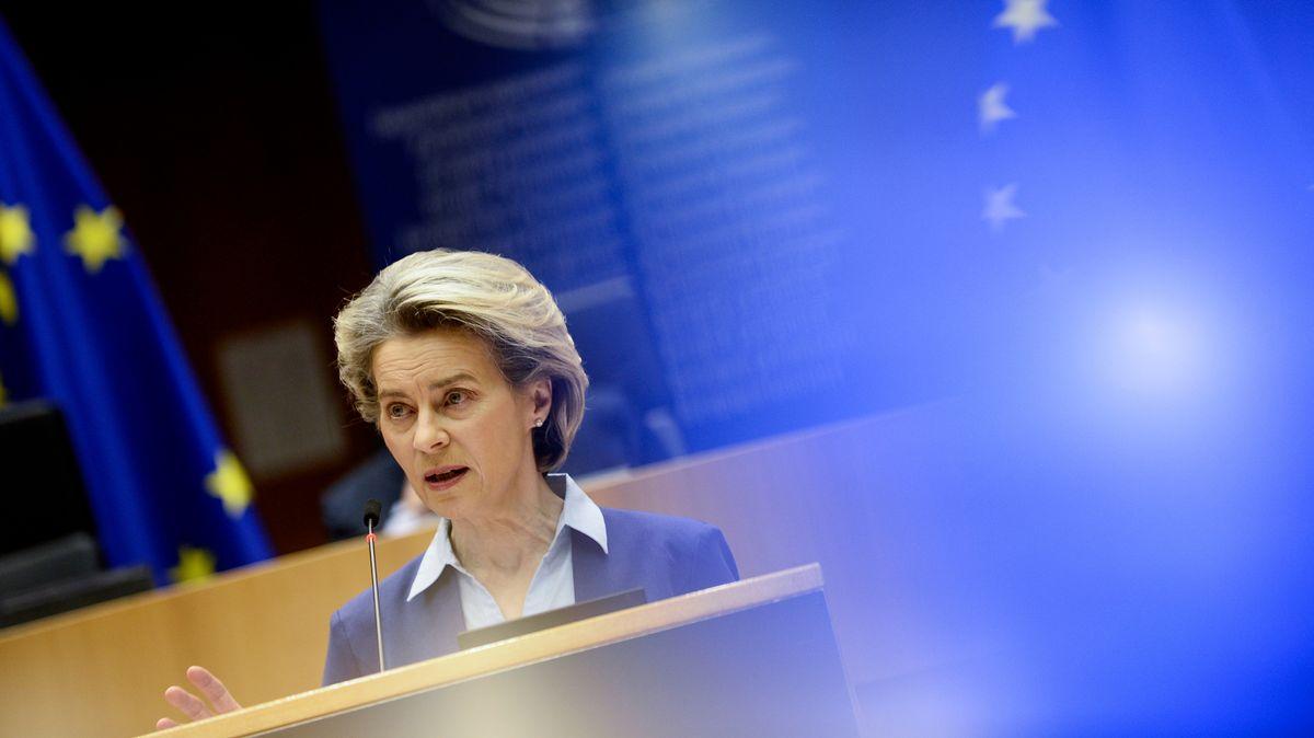 Kommissionspräsidentin Ursula von der Leyen vor dem EU-Parlament