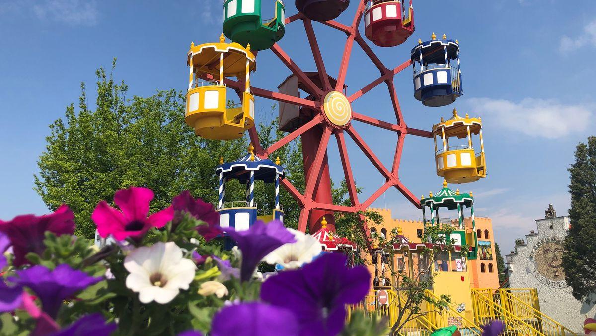 Freizeitparks wie der Churpfalzpark haben wieder geöffnet.