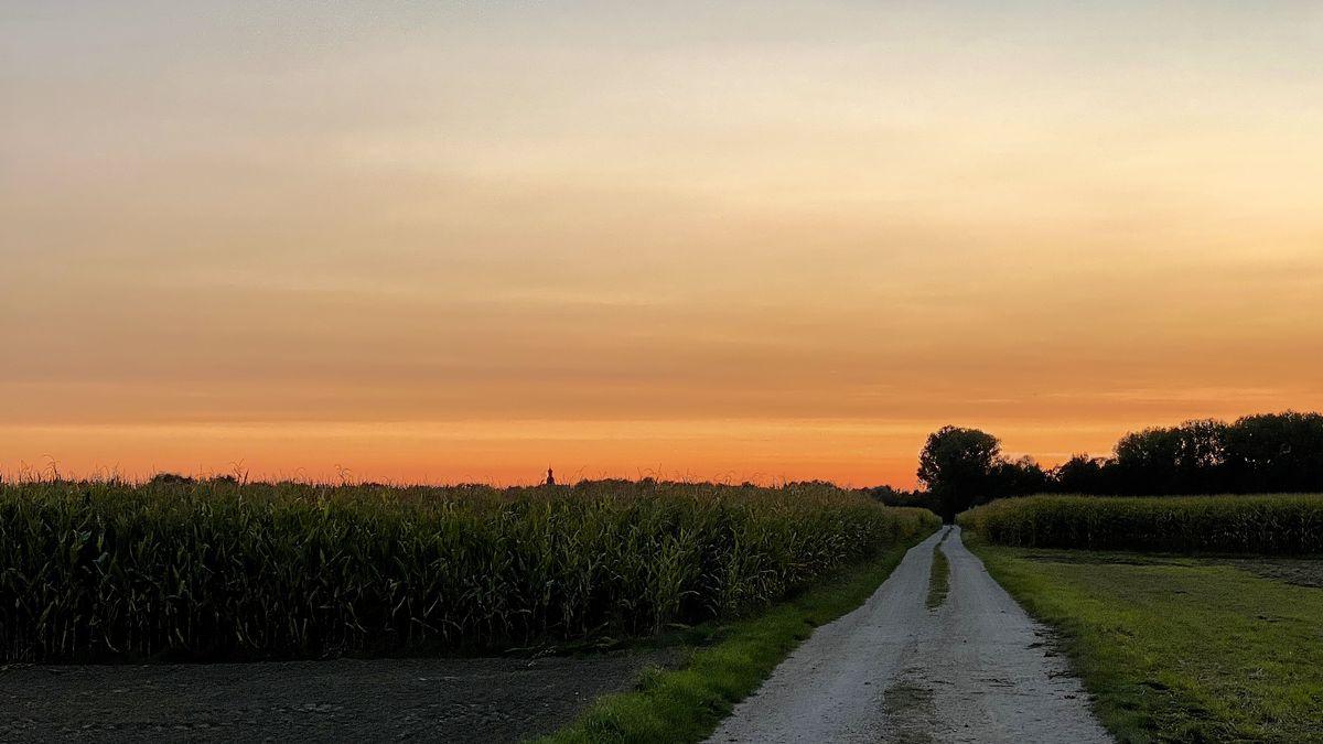 Der Abendhimmel bei Erding am 18.09.2020.