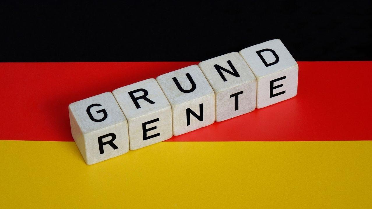 Grundrente und Deutschlandfahne
