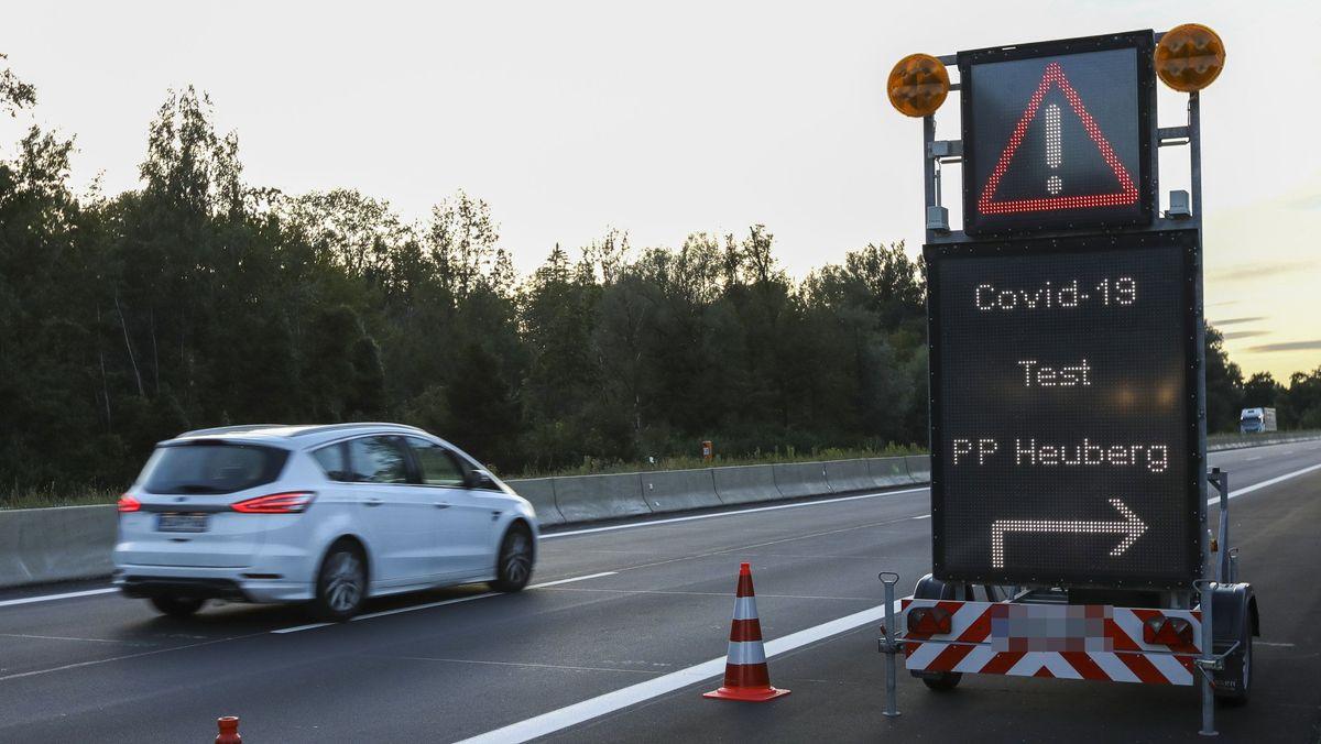Corona-Teststation auf der A93 am Parkplatz Heuberg