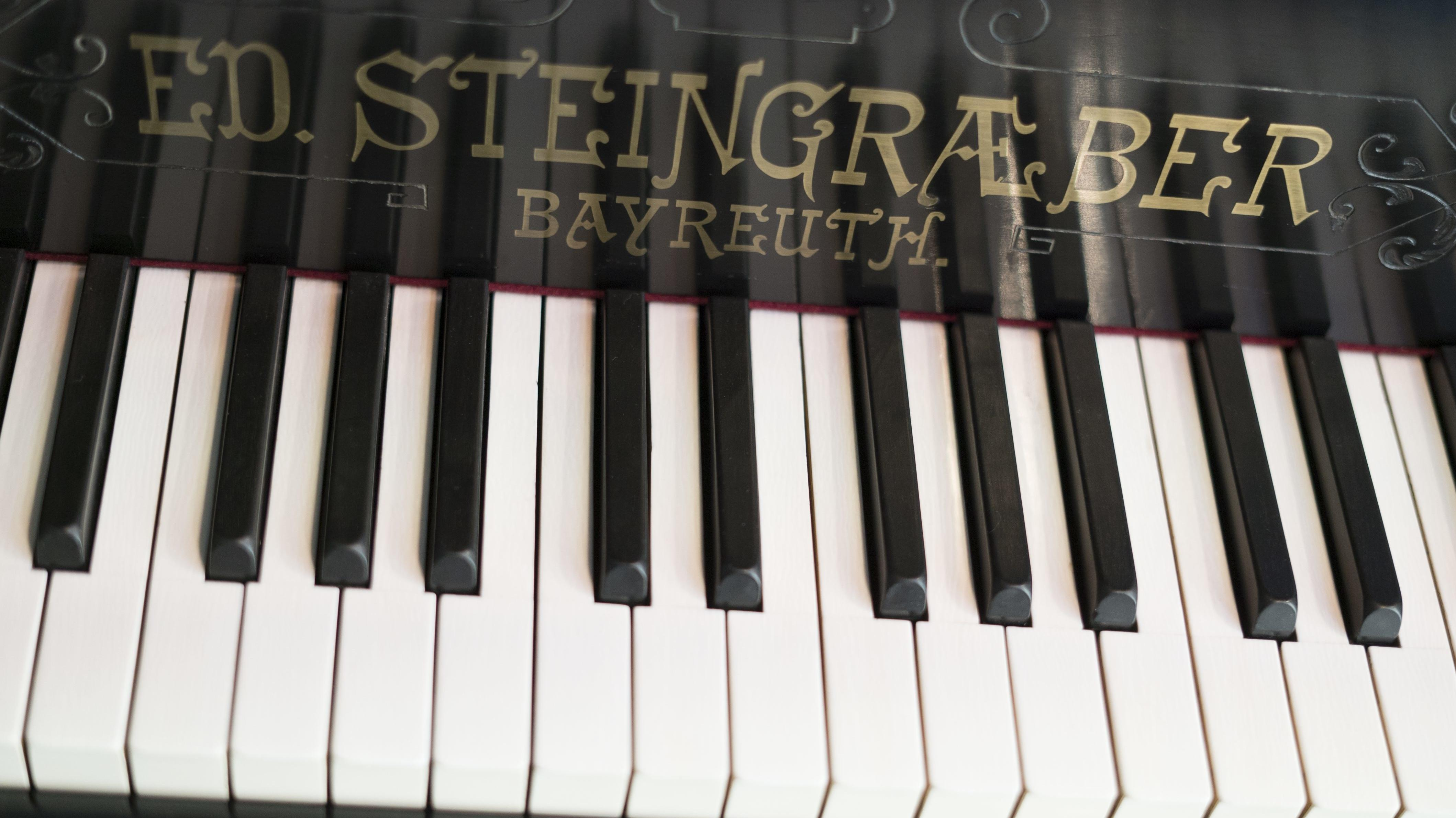 Klavier der Firma Steingraeber & Söhne, Preisträger in der Kategorie Handwerk