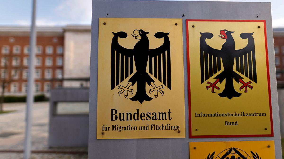 Eine Anfrage der Linken im Bundestag zeigt: Das BAMF hat Tausenden afghanischen Flüchtlingen rechtswidrig den Schutzstatus verweigert