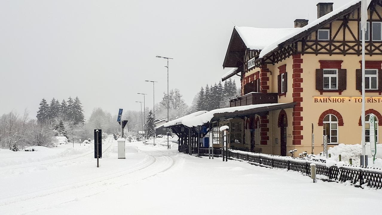 Der Bahnhof Tegernsee: nur selten fuhr heute ein Zug