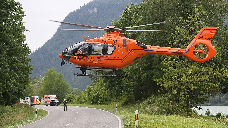 """Rettungshubschrauber """"Christoph 14"""" startet nach Einsatz am Poschberg"""