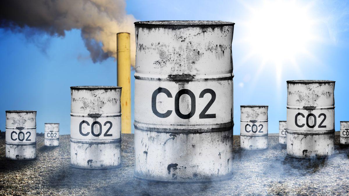 Symbolbild, Tonne mit Aufschrift CO2