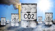 Symbolbild, Tonne mit Aufschrift CO2 | Bild:picture alliance/Bildagentur-online