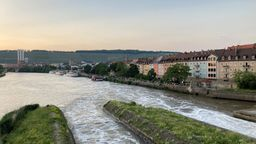 Blick auf den Würzburger Mainkai   Bild:BR/Pirmin Breninek