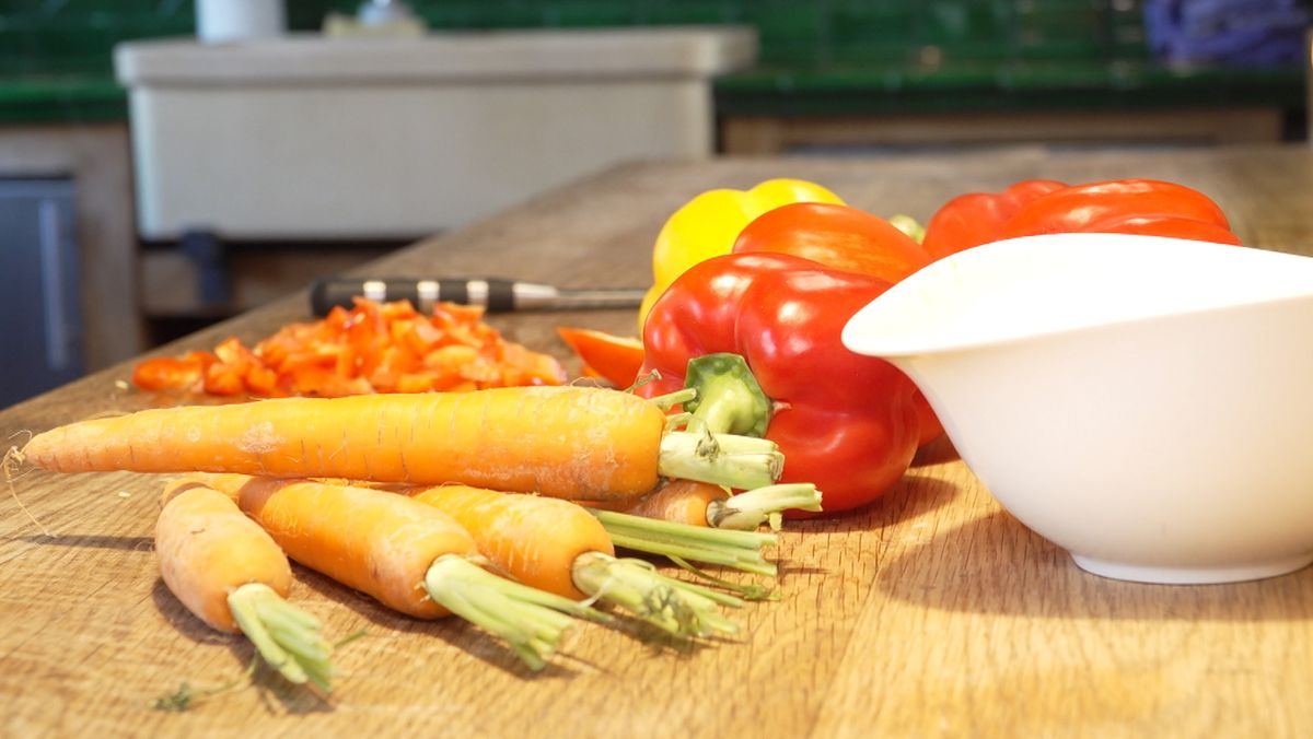 Gemüse auf Arbeitsplatte