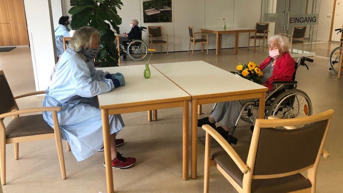 Muttertagsbesuch im Seniorenheim in Gerolzhofen