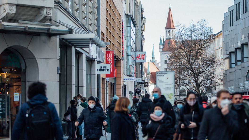Die Münchner Kaufingerstraße am 14.12. 2020 während der Corona-Pandemie.