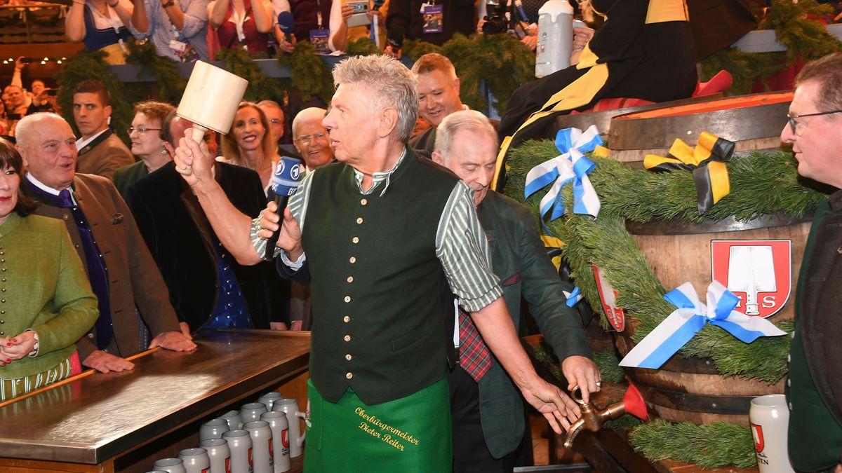 Ein Bild aus gefühlt lange vergangenen Zeiten: Münchens Oberbürgermeister Dieter Reiter (SPD) eröffnet das Oktoberfest 2019.